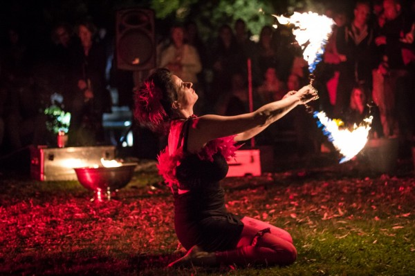 Eventagentur Firesmile aus Kemnath / Oberpfalz : Stelzenwalkacts  Feuershow und Performances  in Bayern, Oberfranken und der Oberpfalz